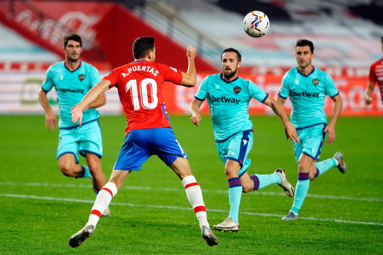 Aguante estoico del Granada CF para salvar un punto