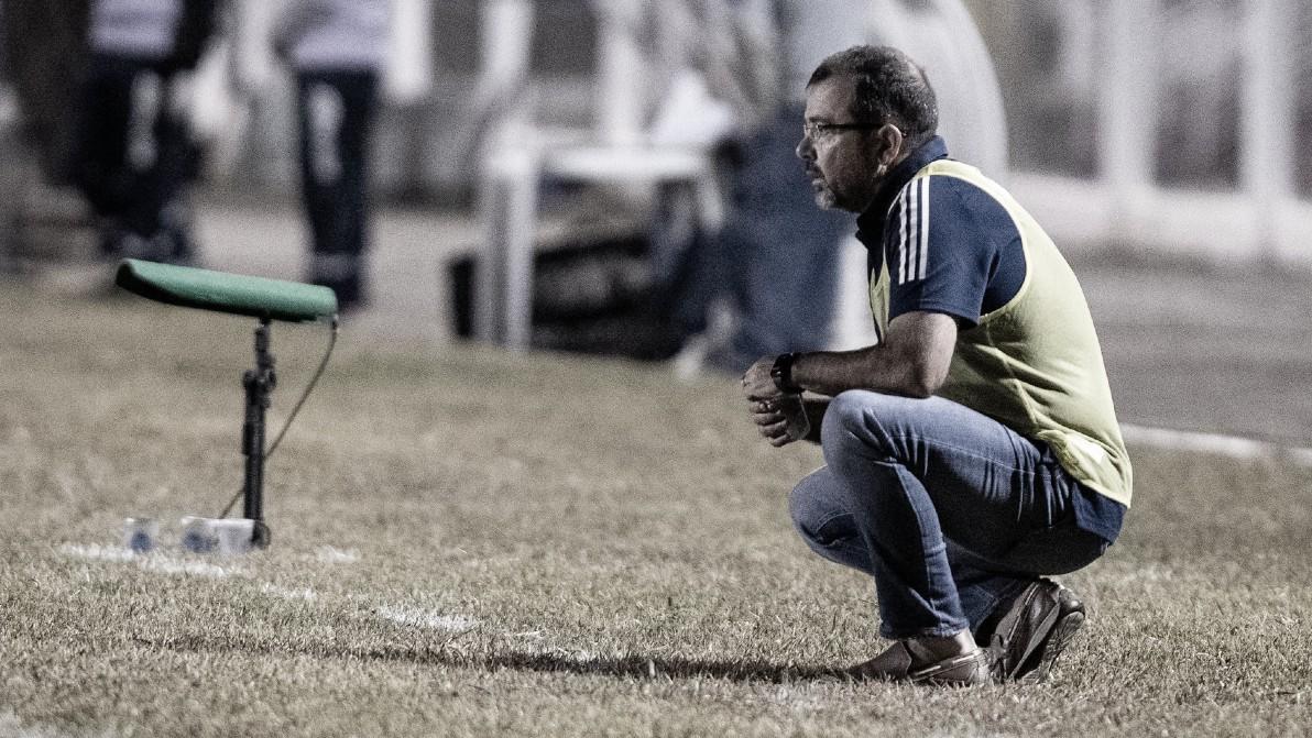 Enderson lamenta eliminação do Cruzeiro, critica Federação Mineira e já projeta Série B