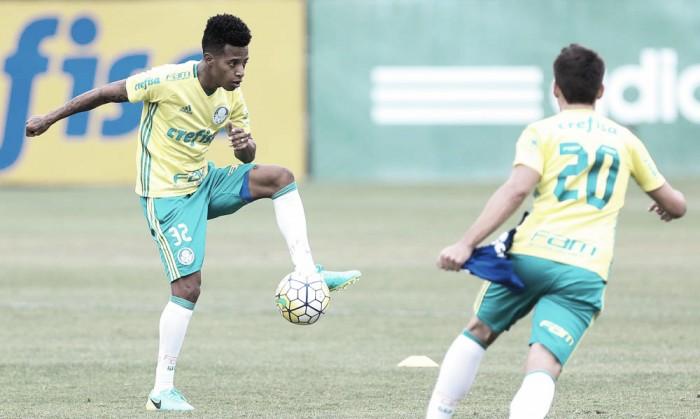 Em treino fechado, Palmeiras realiza atividade tática visando confronto contra o Santa Cruz