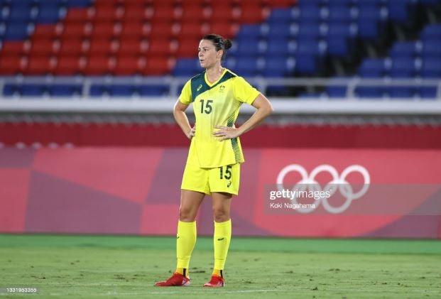 Emily Gielnik and Ruesha Littlejohn sign for Aston Villa Women
