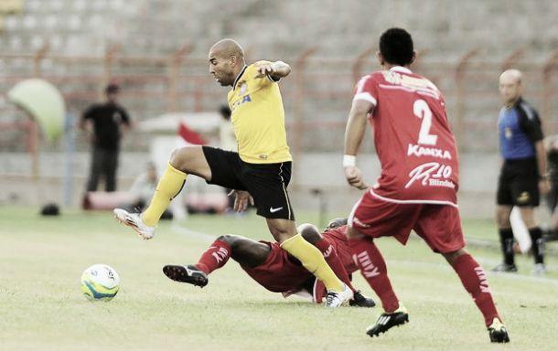 Mirita marca a favor, contra, é expulso e Corinthians e Mogi Mirim ficam no empate