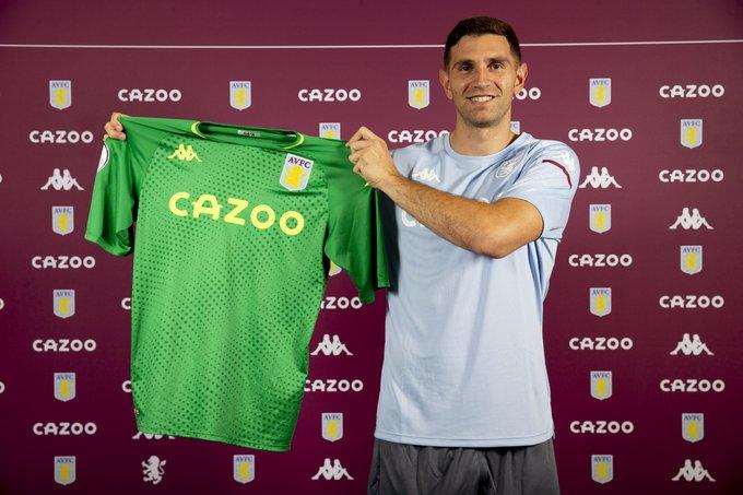 Emi Martinez signs for Aston Villa