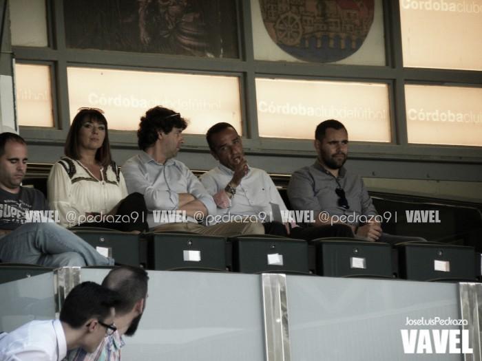 Emilio Vega le da forma al equipo de José Luis Oltra