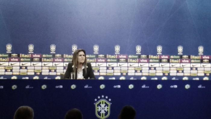 """Emily Lima é apresentada como treinadora da Seleção Feminina: """"Meu sonho era estar aqui"""""""
