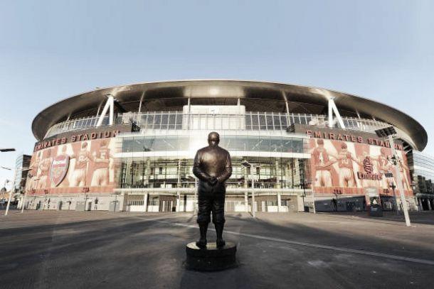 Emirates Stadium, un paseo en bronce por la historia