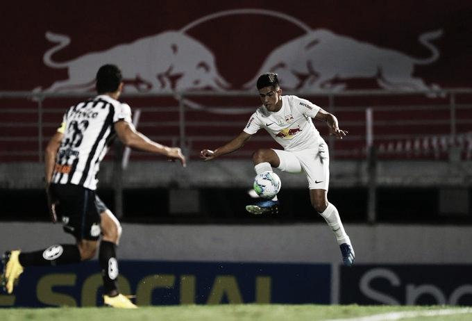 Coluna do meio: Léo Ortiz marca um em cada lado e Bragantino arranca empate do Santos no fim
