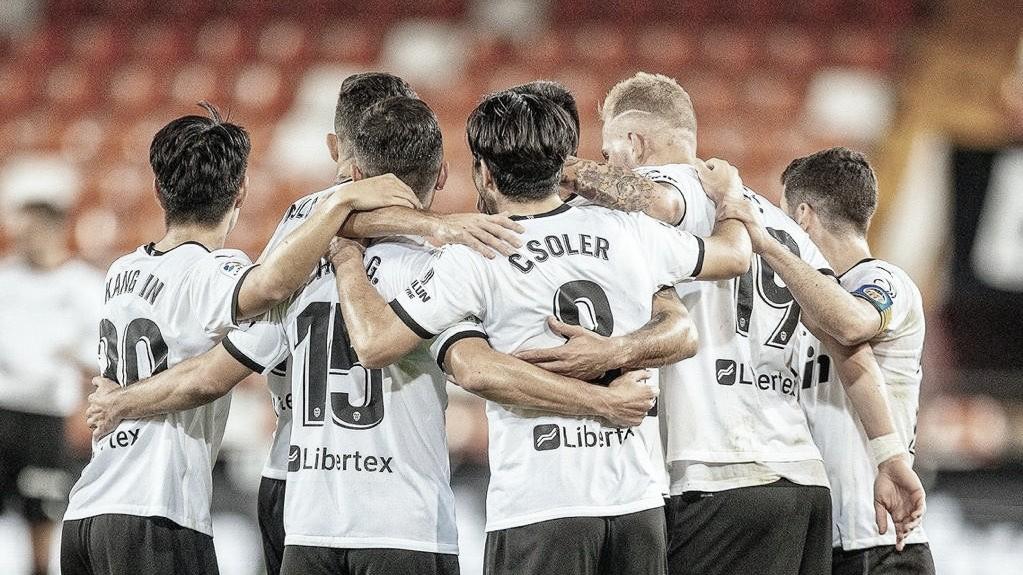 El Valencia celebrando un gol. Fuente: Twitter(@Carlos10Soler)