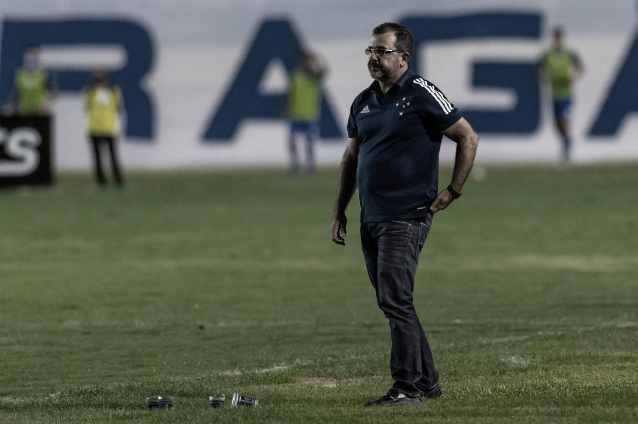 """Insatisfeito com empate do Cruzeiro, Enderson Moreira cita dificuldade da Série B: """"Competição de resistência"""""""
