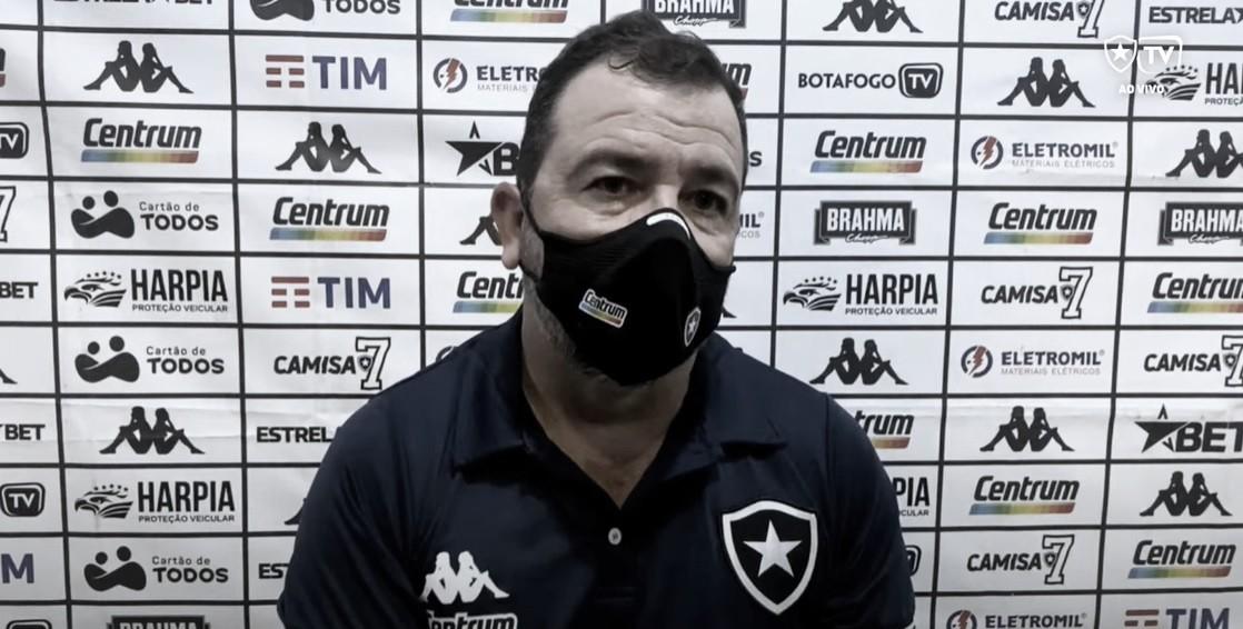 Enderson Moreira elogia equipe e afirma que o Botafogo poderia ter vencido o Cruzeiro