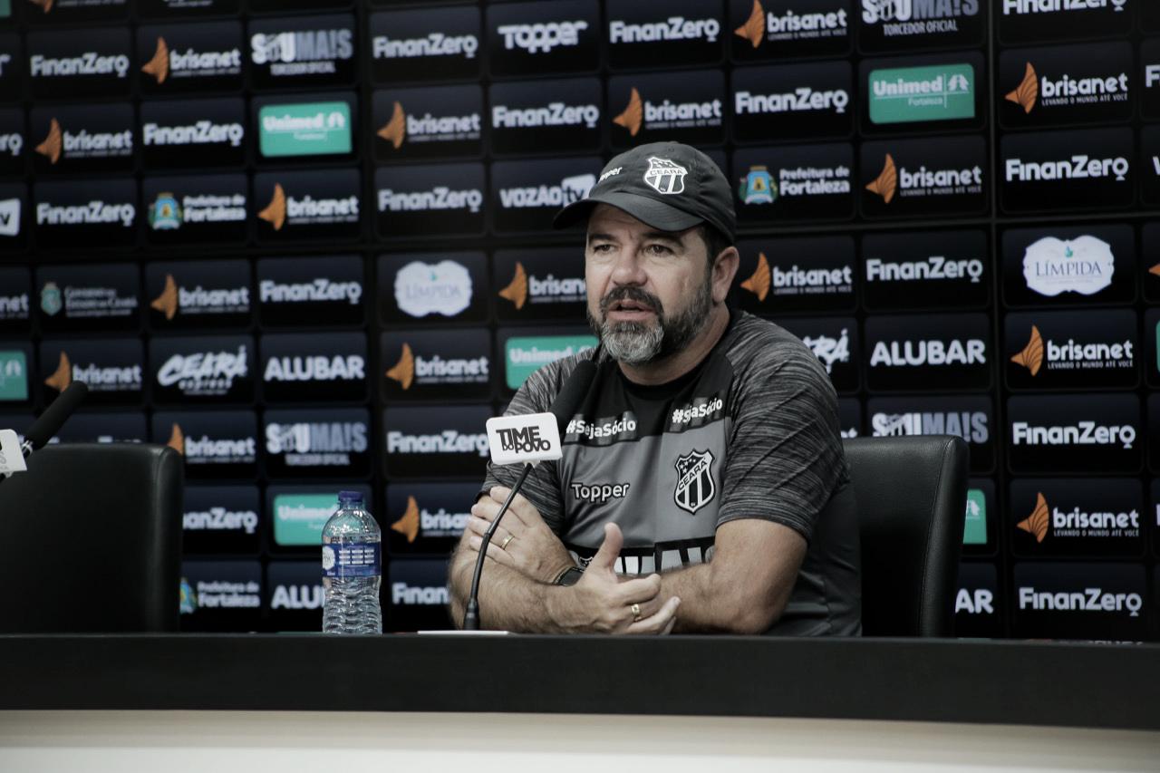 Após consecutivos insucessos, técnico Enderson Moreira pede demissão do Ceará