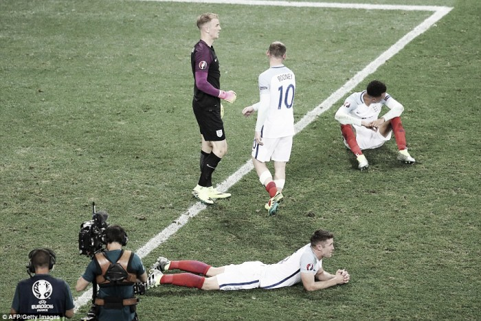 England 1-2 Iceland: Hodgson's men undone on dismal night for English football