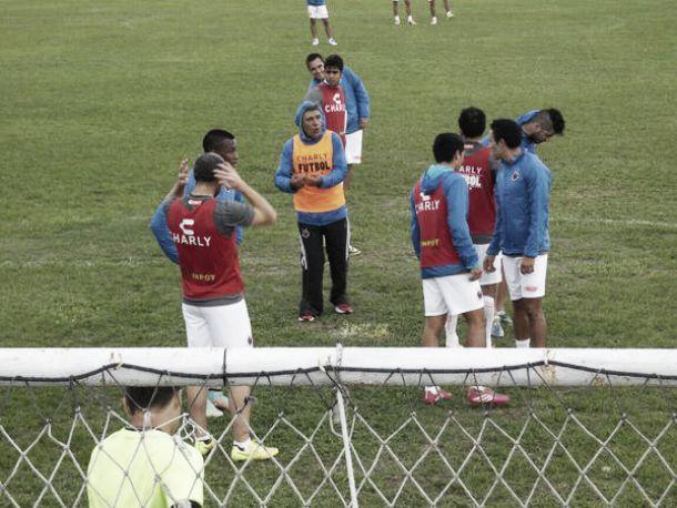 Bajo el viento, Veracruz ya se concentra en Santos