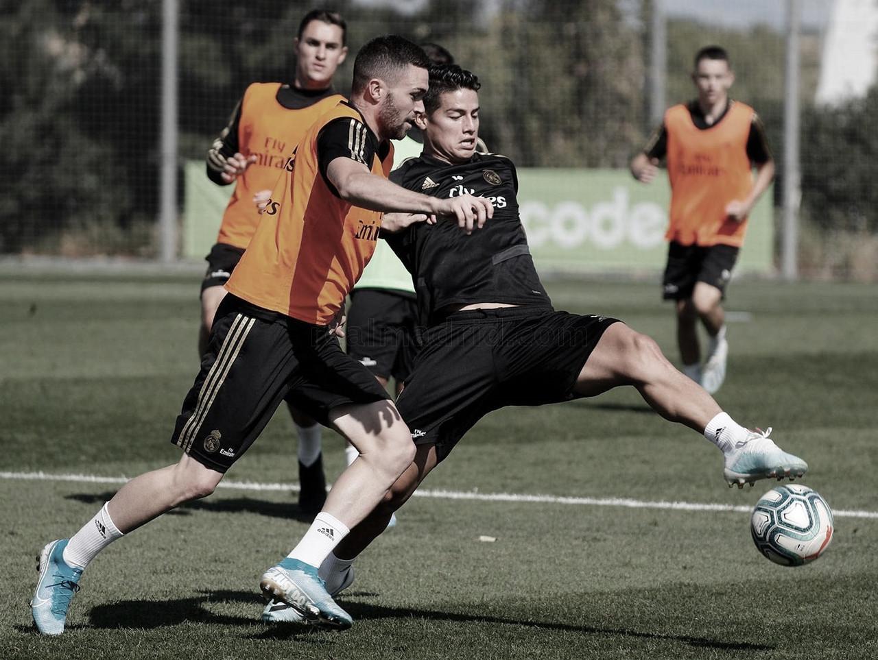 James y Hazard vuelven a entrenar con el equipo