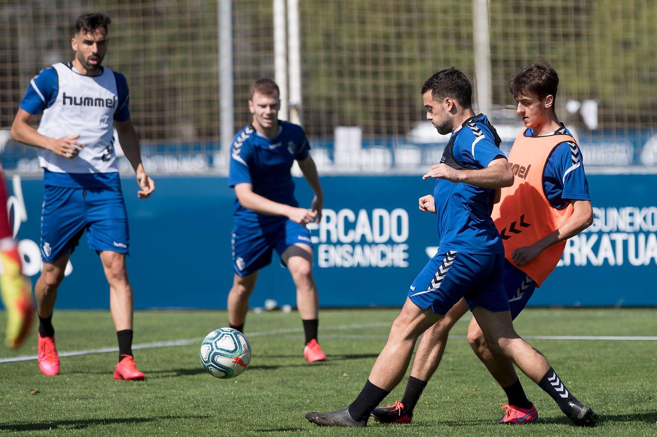 Aimar Oroz y Jose Hualde entrenan por primera vez con Osasuna