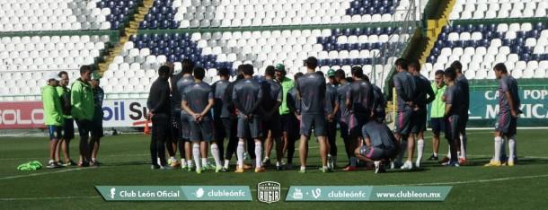 Peña y Boselli encienden focos rojos en entrenamiento de León