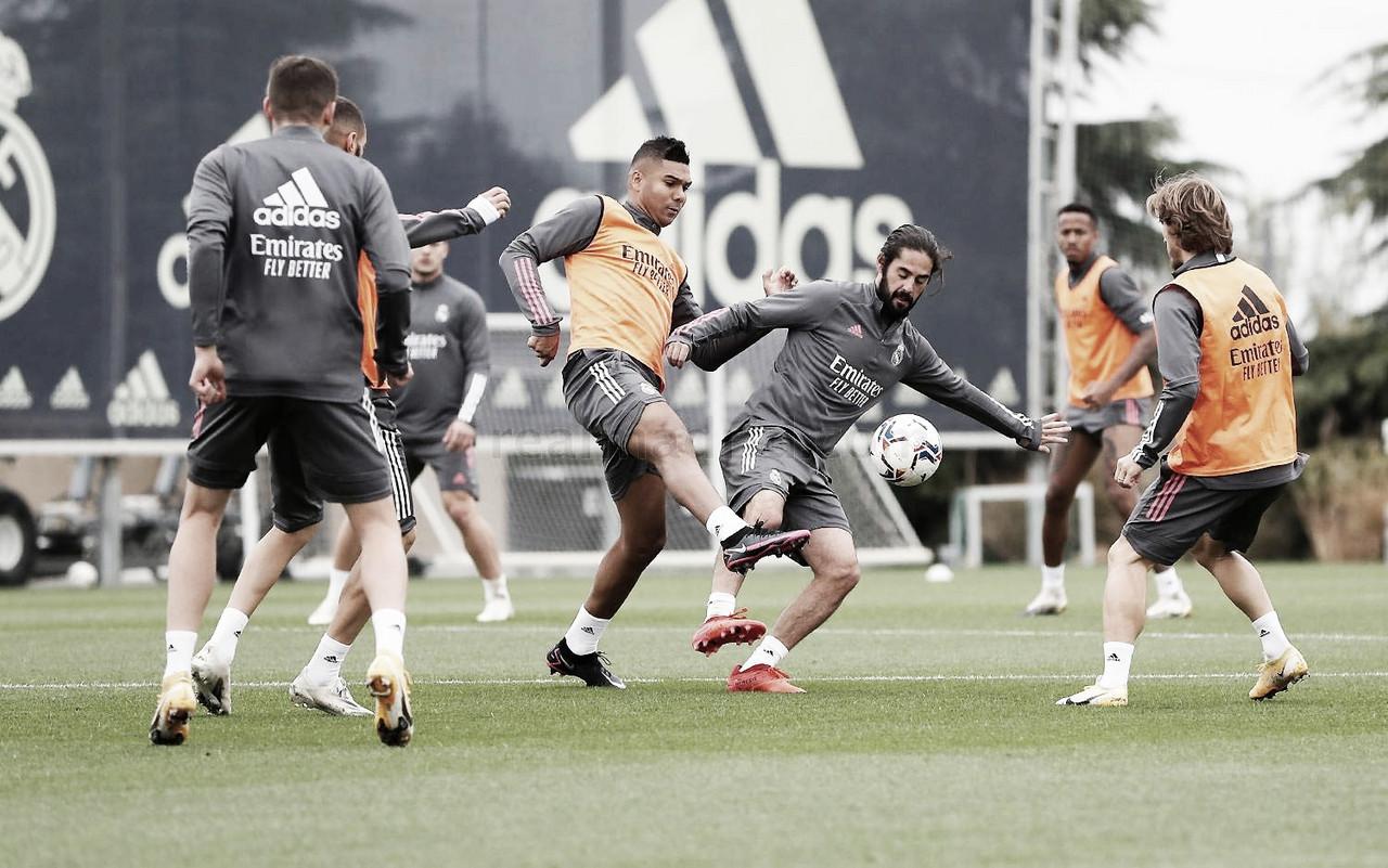 Jugadores del Real Madrid realizando ejercicios en el entrenamiento | Fuente: Real Madrid.