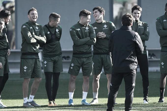 """Álex Moreno: """"Espero que el año que viene sea un buen año y luchemos por entrar a Europa"""""""