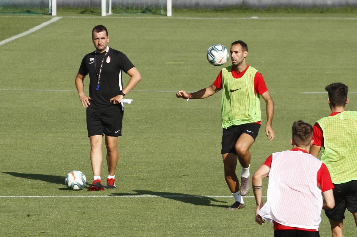 El Granada CF se marcha al 'stage' de pretemporada en Marbella