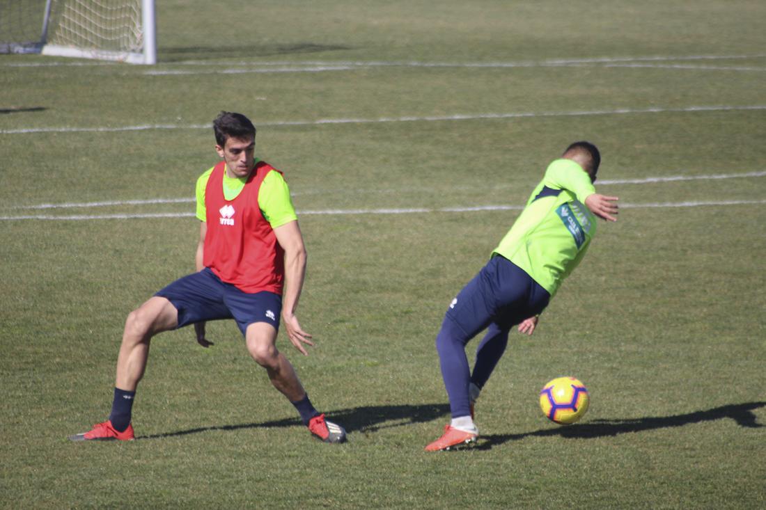 El Granada CF se prepara para visitar al Oviedo con cinco entrenamientos