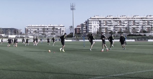 Juanpi y Amrabat vuelven a entrenarse con el grupo