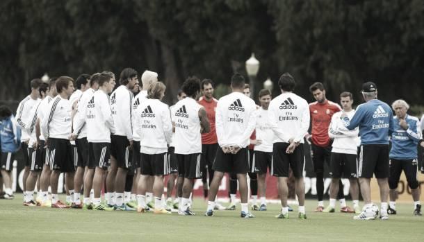 Ancelotti cita a 20 jugadores para la disputa del Trofeo Santiago Bernabéu