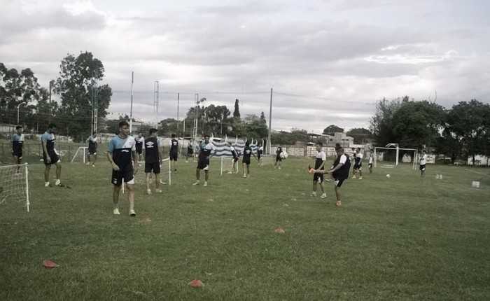 En Atlético comienzan a definir el equipo que recibirá a Huracán
