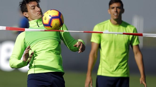 El Granada CF ensaya con balón y sin dos lesionados