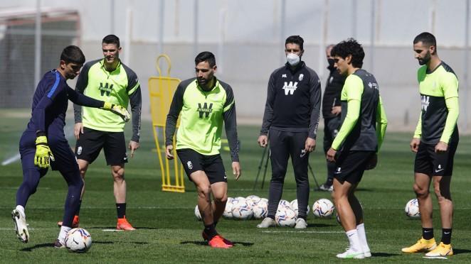 El Granada CF tiene cuatro entrenamientos y un merecido descanso esta semana de parón