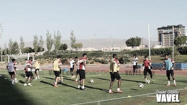 El Almería realiza un entrenamiento marcado por las ausencias
