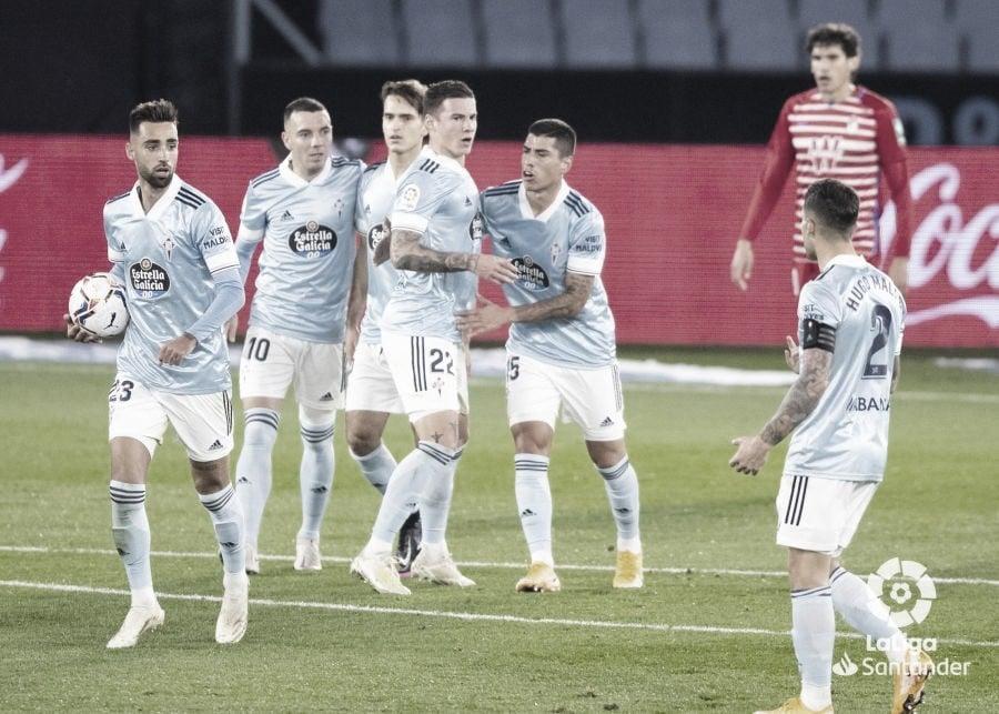 Los jugadores del Celta celebrando el primer gol ante el Granada. | Foto: La Liga.