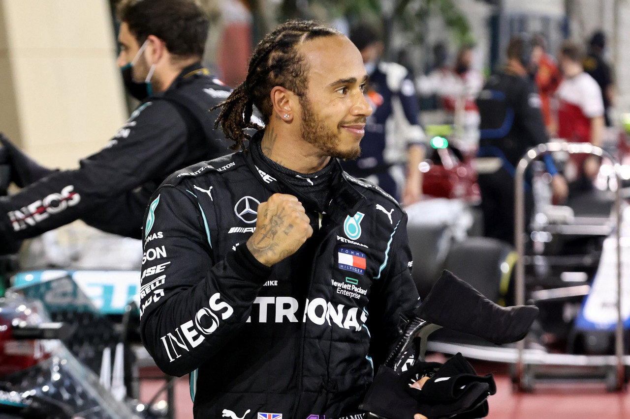 Hamilton celebra su victoria en Baréin. Fuente: Mercedes-AMG Petronas F1 Team