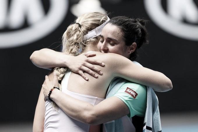 Wozniacki perde batalha para Jabeur no Australian Open e encerra carreira profissional