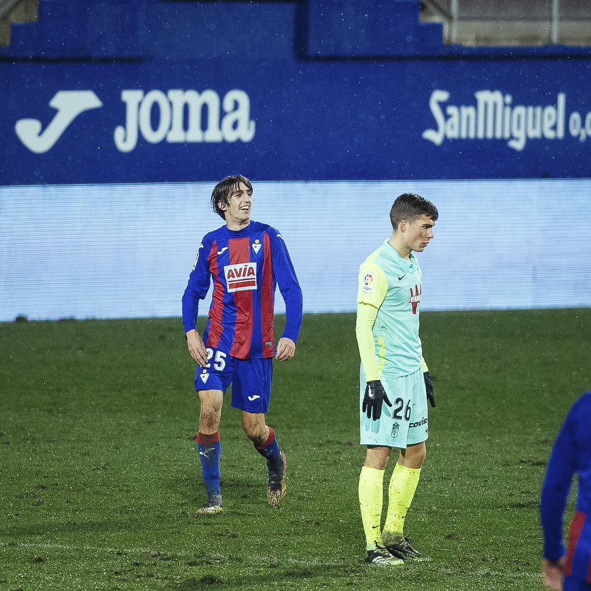 Bryan Gil ajusticia al Granada CF en el maldito Ipurua