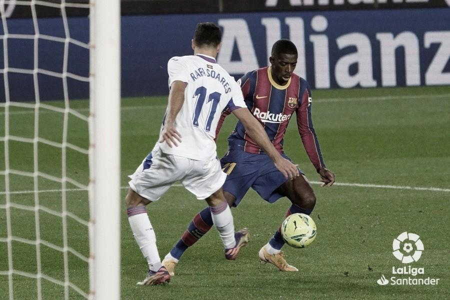 Dembélé sai do banco e garante empate do Barcelona sobre Eibar