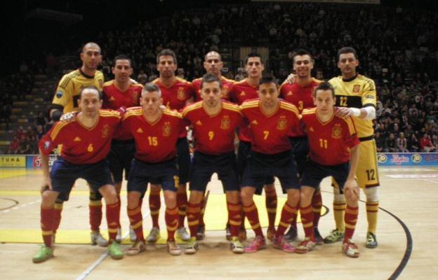 Eslovaquia 0-4 España: Con pie y medio en Tailandia
