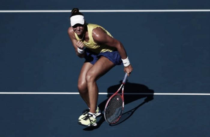 Bia Haddad vence na estreia do Australian Open e quebra jejum de 53 anos