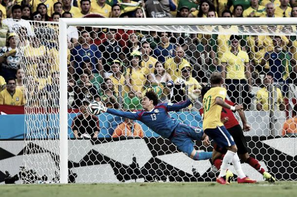 Ochoa contrarie le Brésil