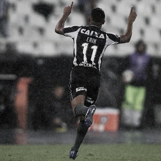 Erik faz golaço e Botafogo abre vantagem contra Defensa y Justicia na Sul-americana