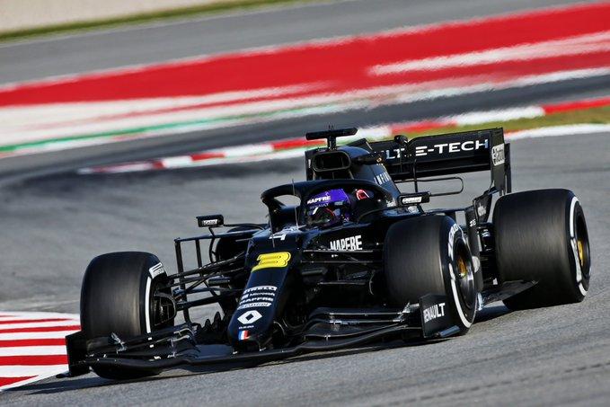 Test Formula 1, Day-6: Ricciardo in testa, Ferrari e Mercedes si marcano
