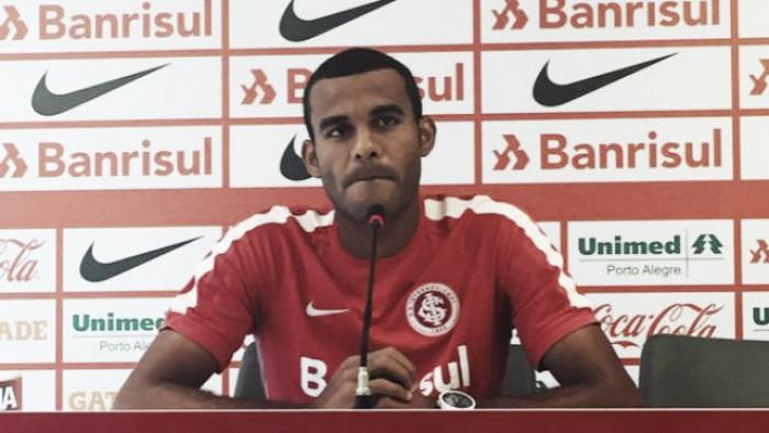 """Ernando admite situação difícil no Brasileirão, mas destaca: """"É delicada, mas é reversível"""""""