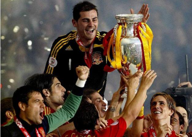 España defiende título y estilo