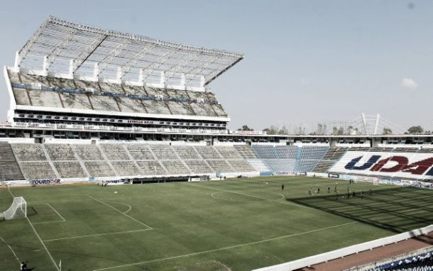 Un estadio cuauht moc sin alumbrado recibir a la copa mx for Puerta 5b estadio universitario