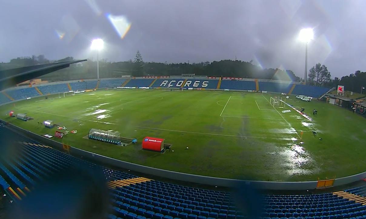 Santa Clara - Benfica interrumpido por mal tiempo