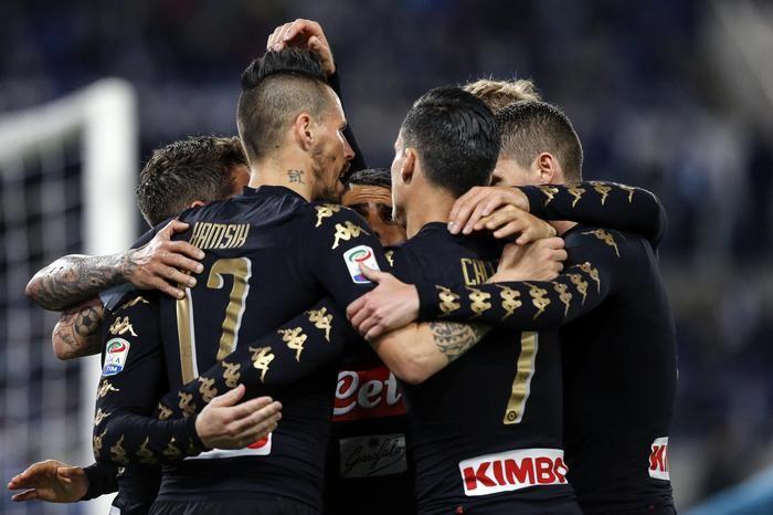 Serie A - Il Napoli espugna l'Olimpico. Callejon e Insigne (doppietta) firmano il 3-0