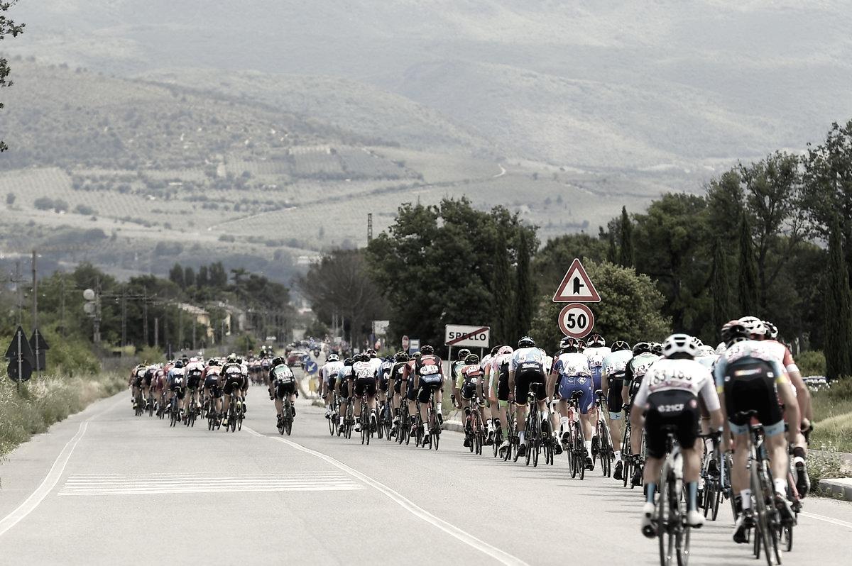 Resumen etapa 12 del Giro de Italia: Sam Bennett vence en Imola