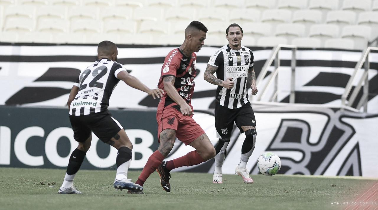 Athletico-PR vence Ceará, sobe quatro posições na tabela e busca Libertadores