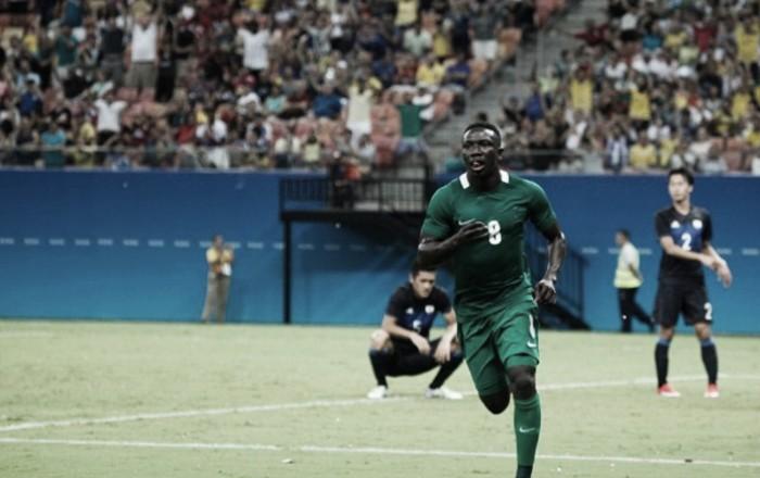 Etebo marca quatro, Nigéria bate Japão em jogo de nove gols e começa bem no futebol masculino