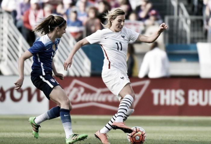 Em jogo mais aguardado da primeira fase, EUA e França duelam no futebol feminino