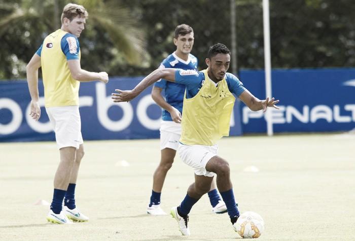 Eurico e Hugo Ragelli voltam ao Cruzeiro após serem devolvidos pela Ponte Preta