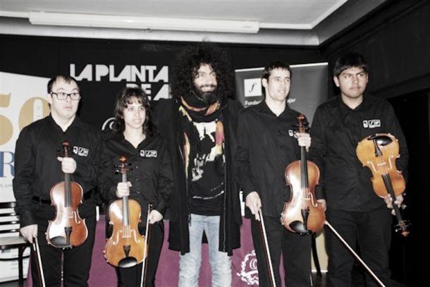 El violinista Ara Malikian acerca la música a las personas con discapacidad intelectual